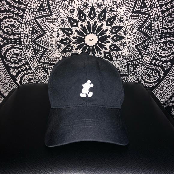 Mickey Mouse Nike Golf Hat. M 5b318efa1b32943a3faf9c80 82560f64a63